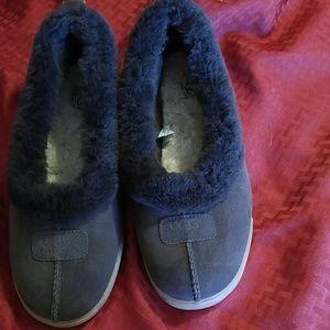 Women's UGG slipper